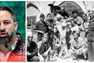 Santiago Abascal 'exhuma' una espeluznante foto con la que hunde al antifranquista de pega de Pedro Sánchez