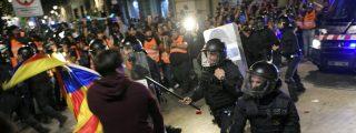 La Generalitat catalana fuerza a sus policías antidisturbios a enfrentarse 'desarmados' a los terroristas callejeros