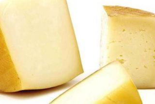 'Alerta alimentaria': Sanidad retira trece nuevos lotes de queso de leche cruda de vaca por listeria y E.coli