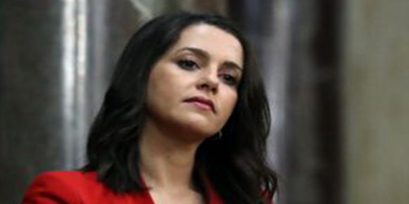 "Inés Arrimadas a Pep Guardiola, héroe de su infancia: ""Muy valiente para calumniar a España pero no con Catar"""