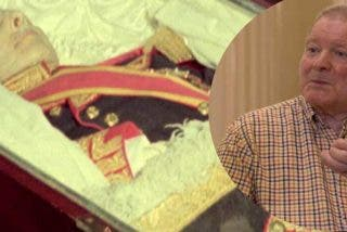 Así debe estar el cadáver de Franco 44 años después