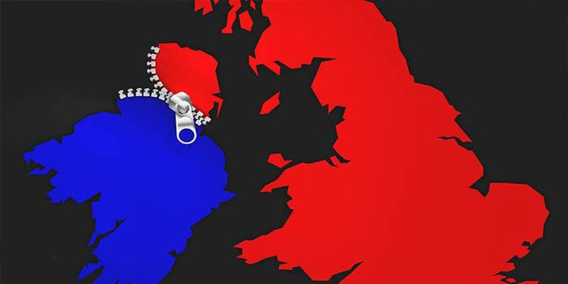 Así es la 'brillante' solución de Johnson: dos fronteras para Irlanda en vez de una