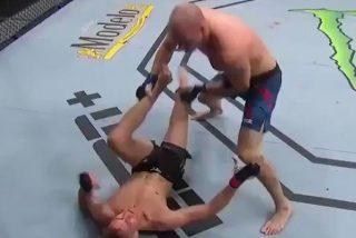 Así noquea este luchador de la UFC a su rival de un talonazo en la cara estando de espaldas en la lona
