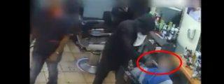 Así roban a punta de pistola una barbería de EE.UU.