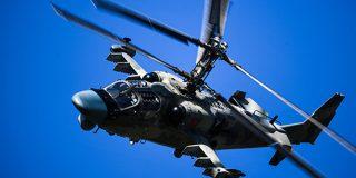 Así se viven los ejercicios militares desde dentro de la cabina de un helicóptero de combate Ka-52