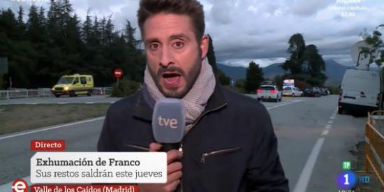 """El Quilombo / La maldición de la momia de Franco cae sobre este reportero de TVE: """"Estará al lado de su mujer, Carmen Calvo..."""""""