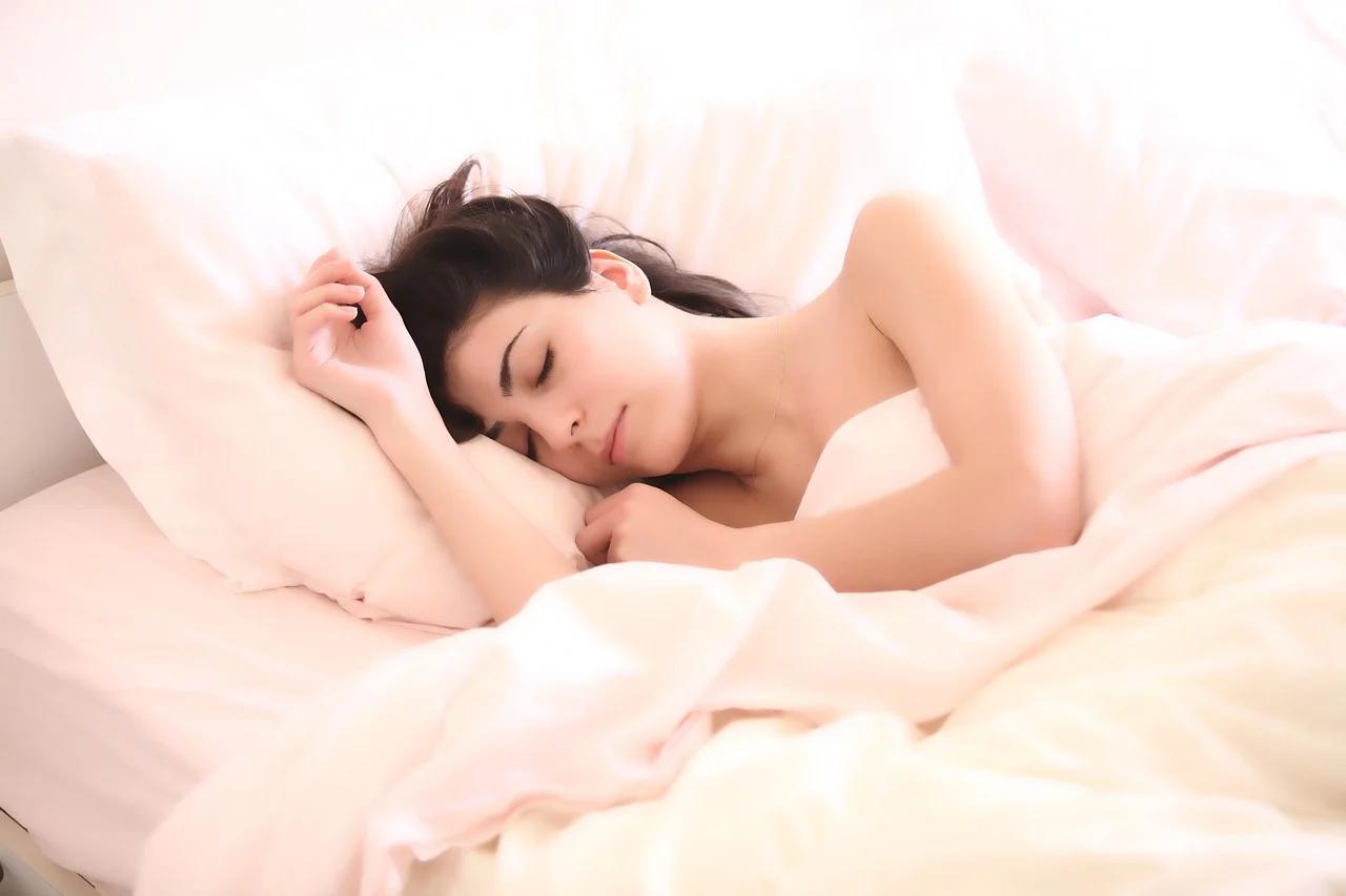 Sueño y dieta: 5 opciones de cena que te harán dormir mejor
