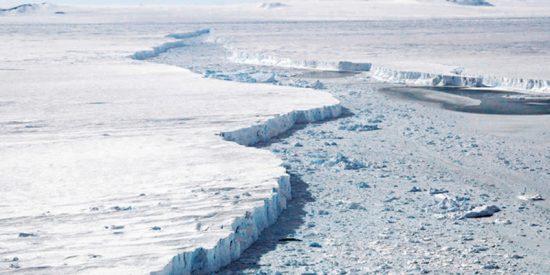 Dos grietas kilométricas que han surgido en un glaciar de la Antártida podrían causar el desprendimiento de un iceberg del tamaño de Manhattan