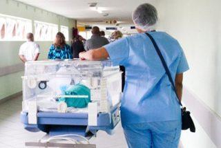 Dos médicos acusados de asesinato por enviar a la morgue a un bebé que presentaba signos de vida