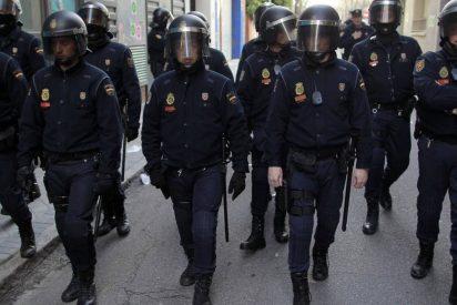 Sánchez y Marlaska timan a los policías enviados a Cataluña: les dejan sin descansos ni complementos