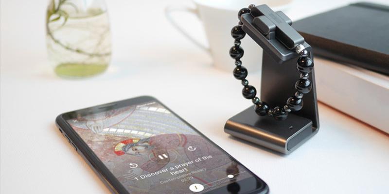 El Vaticano lanza este rosario inteligente que funciona con el móvil