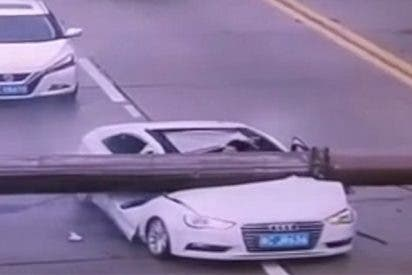Vídeo Viral: ¿Adivinas si el conductor sobrevivió, quedo paralítico o murió aplastado?