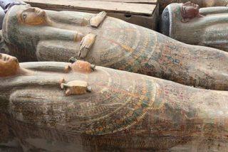 """""""El descubrimiento más grande e importante"""": Encuentran 20 sarcófagos antiguos de madera bien conservados en Egipto"""