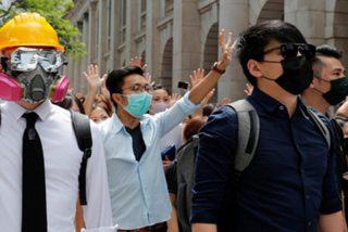 El gobierno de izquierdas de Hong Kong prohíbe a los manifestantes usar máscaras