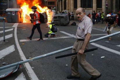 """El octogenario de la estaca que se planta ante los CDR: """"Sólo echo una mano a la Policía"""""""
