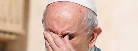 El papa Francisco la lía al tuitear inadvertidamente un mensaje de apoyo a los Santos, pero del fútbol americano