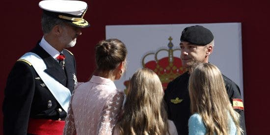 """Cabo Pozo, el paracaidista más querido de España: """"Que lleve la bandera también en 2020"""""""