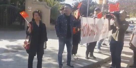 El xenófobo Torra y los violentos indepes catalanes ya no engañan ni a los chinos