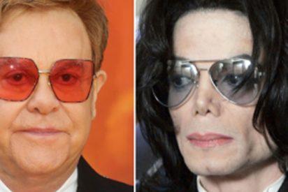 """Elton John sobre Michael Jackson: """"Era una persona perturbadora que parecía no poder lidiar con la compañía adulta en absoluto"""""""