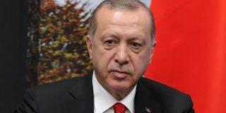 """Erdogan amenaza a la Unión Europea: """"Enviaré millones de refugiados a la UE si critica nuestra invasión de Siria"""""""