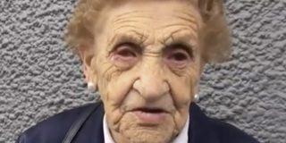 Esta es Victoria, la mujer de 94 años que ha perdido su casa después de que unos okupas, y los partidos de izquierdas que los defienden, se la quitaran mientras no estaba