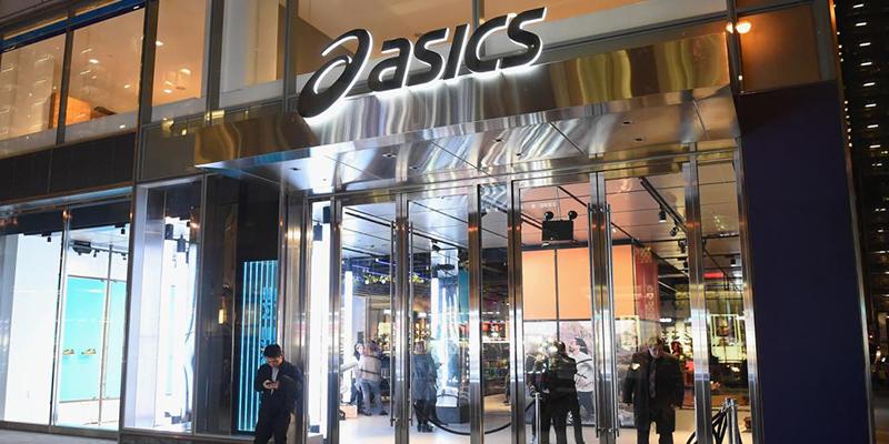 Esta tienda de Asics en Nueva Zelanda reprodujo un vídeo porno en las pantallas de su escaparate durante 10 horas tras ser hackeada