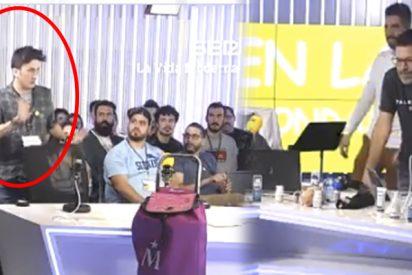 """Tremendo golpe: este chaval """"poco católico"""" se deja la nariz en la Cadena SER para risas de Quequé y sus amigotes"""