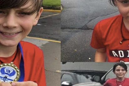 Este niño de nueve años participa en una carrera infantil y accidentalmente gana una de adultos