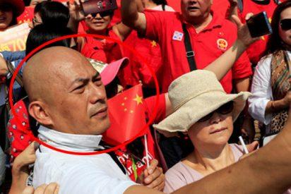 Este oficial de la Policía comunista china se convierte en estrella en la Red en medio de las protestas en Hong Kong