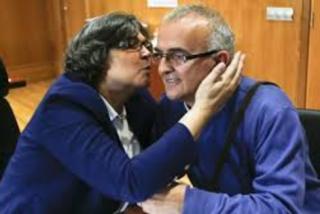 La alcaldesa socialista de Porriño, como casi todos los ayuntamientos y todos los políticos dan rienda suelta a los dineros de todos, derrochando sin parar.