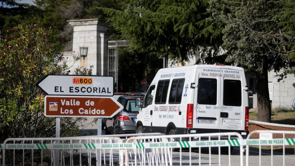 Se confirmó la hecatombe: el Gobierno convierte la exhumación de Franco en un acto electoralista del PSOE
