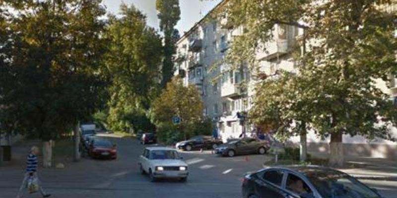 Hombre se suicida y mata a sus dos hijos al saltar con ellos desde un noveno piso tras su mujer pedirle el divorcio