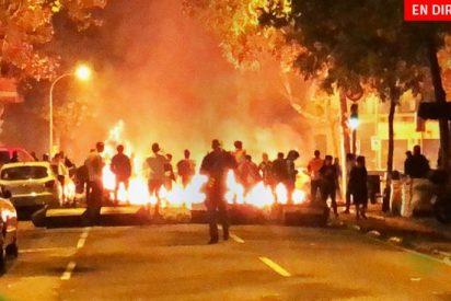 """Los reveladores audios de los agentes de la Policía Nacional rodeados por la turba golpista en Barcelona: """"Esto es un pu** infierno, nos han atacado con todo"""""""