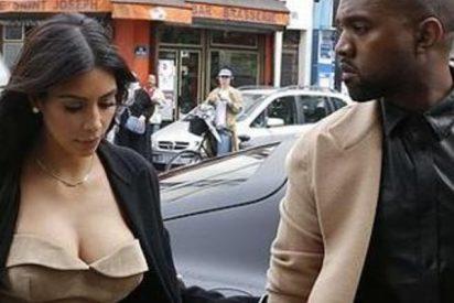 """Kim Kardashian renuncia a sus pezones falsos por los celos del """"pornoadicto"""" Kanye West"""