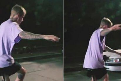 La redes se cachondean de la ridícula caída viral de Justin Bieber en monociclo
