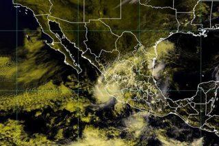 La terrible tormenta tropical Priscilla toca tierra en las costas de México