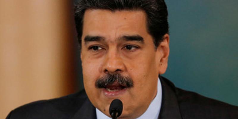 Maduro 'acongojado' afirma tener 'pruebas sólidas' de que la oposición planea nuevas 'guarimbas' en noviembre