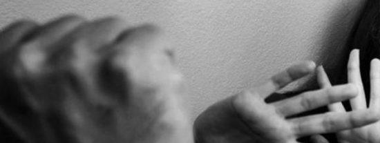 Marido le corta el pene al hombre que estaba violando a su mujer y se enfrenta a una pena más larga que la del agresor sexual