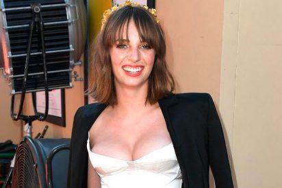 Maya Hawke, protagonista de 'Stranger Things', se pasea semidesnuda y borracha por un estudio de cine de Hollywood