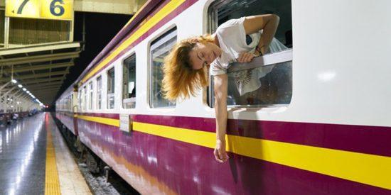 Milagro en el Metro: La mujer cae a las vías y los pasajeros logran frenar el tren 'in extremis'