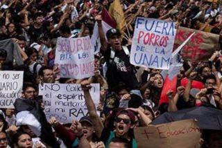 Chile: Miles de estudiantes y miembros de sindicatos salen a las calles de Santiago