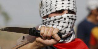 Musulmán armado con un cuchillo pregunta a transeúntes de Bruselas si alguno es judío