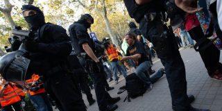 Los fanáticos golpistas de Barcelona 'se pasaron de la raya': la Policía les incauta éxtasis y metanfetaminas en mochilas y riñoneras