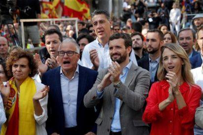 A dos semanas de las elecciones, el PSOE sigue a la baja paseando la 'Momia de Franco' y el PP recorta distancias