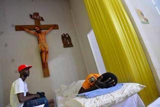 Un cura italiano convierte su parroquia en un centro de acogida