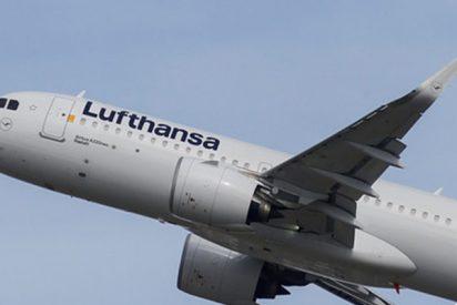 Lufthansa hara obligatorio el uso de mascarillas en sus vuelos