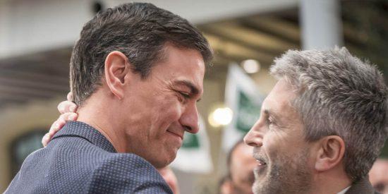 Sánchez sigue cortejando a Bildu y acerca al etarra que quemó vivo a un concejal y asesinó a una niña