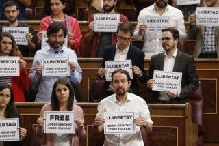 Los zarrapastrosos de Podemos y los golpistas catalanes son lo mismo