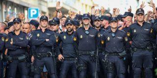 La Policía alerta del riesgo de ataques contra la marcha constitucionalista en Cataluña y al socialista Sánchez 'se la bufa'