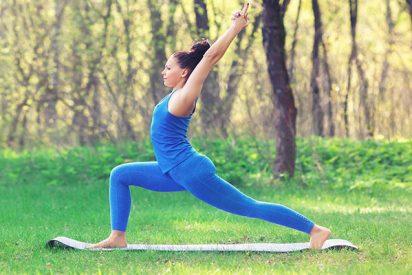 Estas posturas de yoga te ayudarán a equilibrar cuerpo y mente frente al cambio de estación
